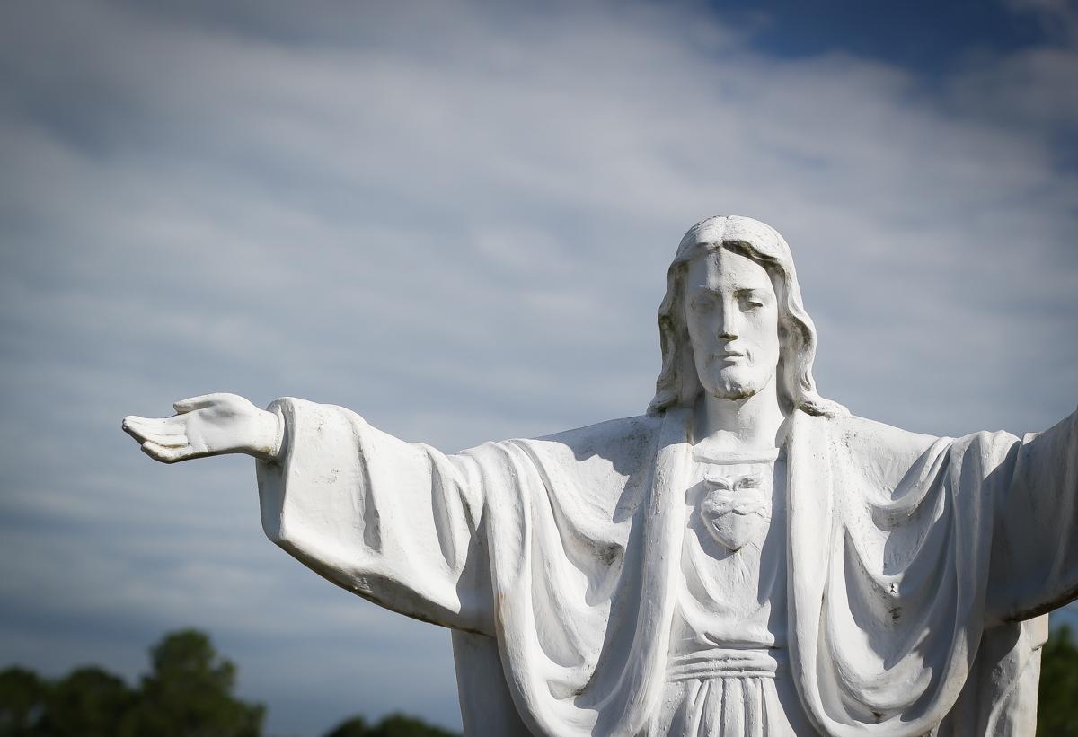 st-patrick-jacksonville-jesus-statue-2